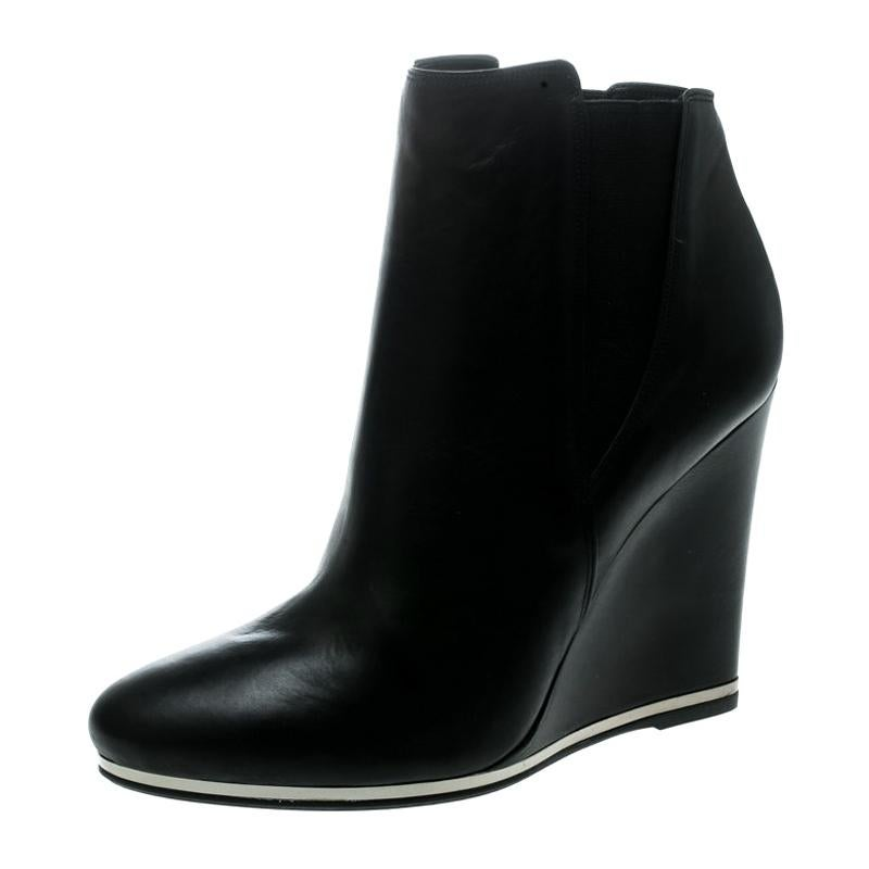Le Silla Black Leather Wedge Ankle
