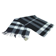 """Burberry Black Check """" The Large Classic Cashmere In Check"""" 30buj917 Scarf/Wrap"""