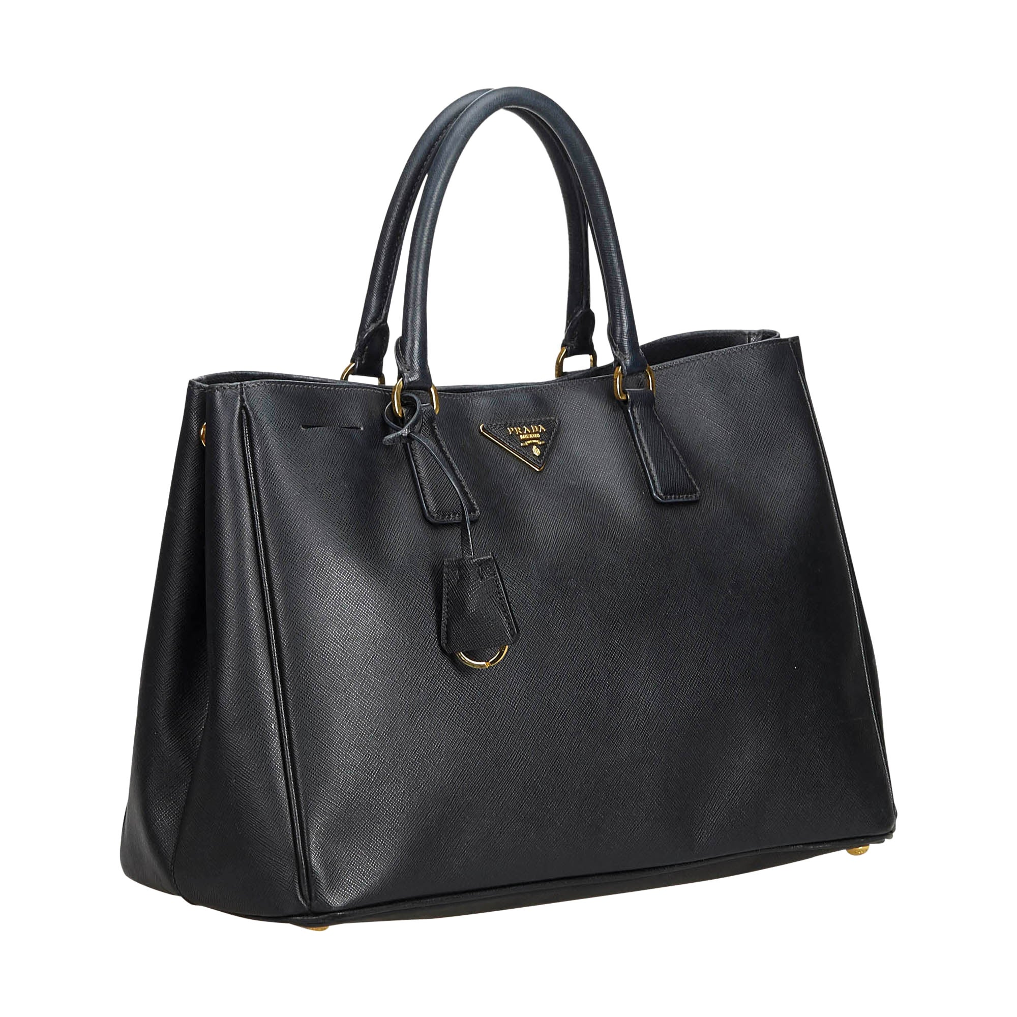 c3bc0c3ea7 Prada Black Leather Saffiano Galleria Handbag For Sale at 1stdibs