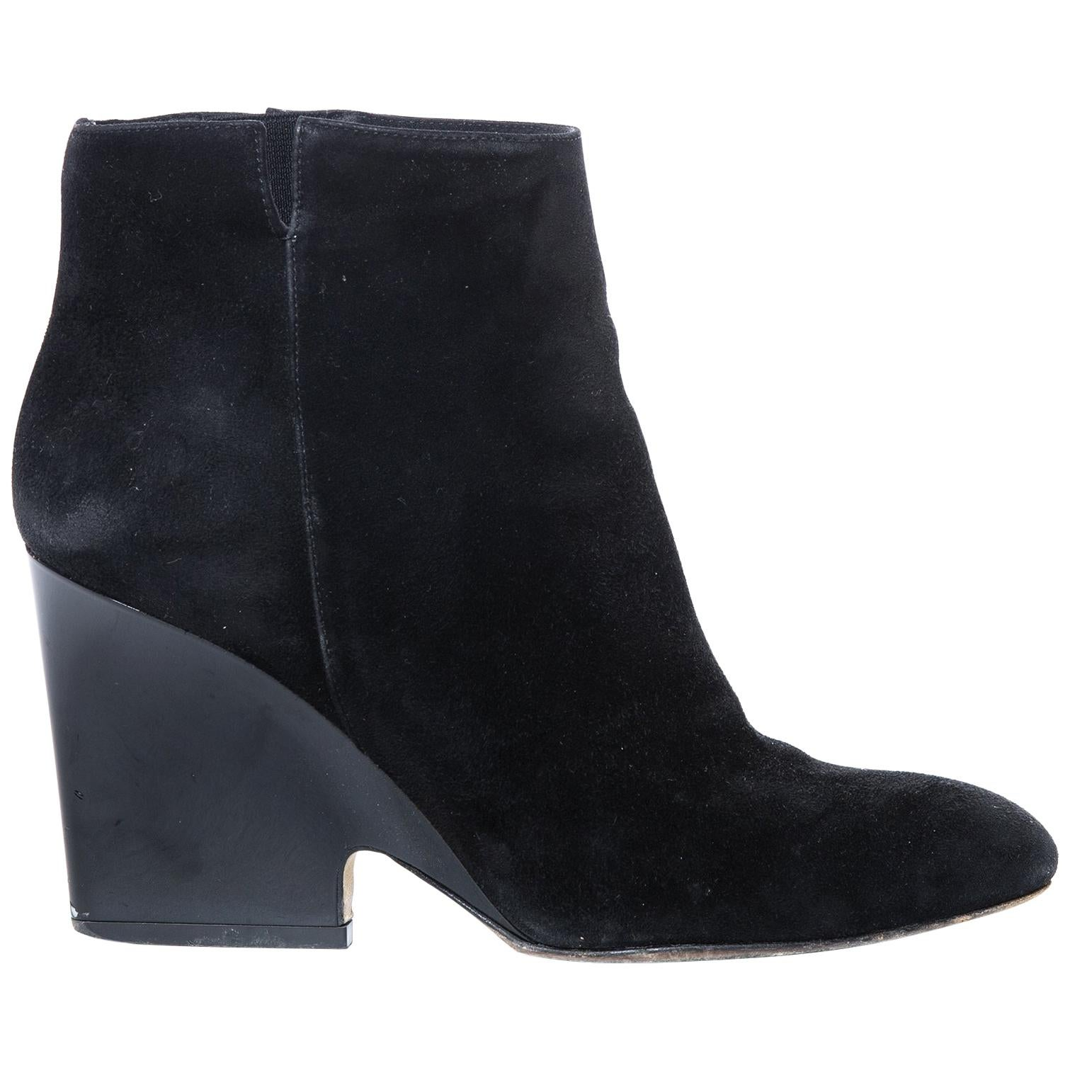 fe070e3948e7 Vintage Hermès Shoes - 21 For Sale at 1stdibs