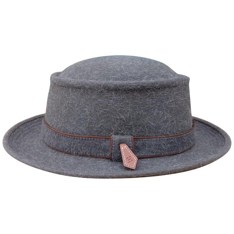 Motsch Paris for Hermès Felt Hat Grey Size 56 For Sale
