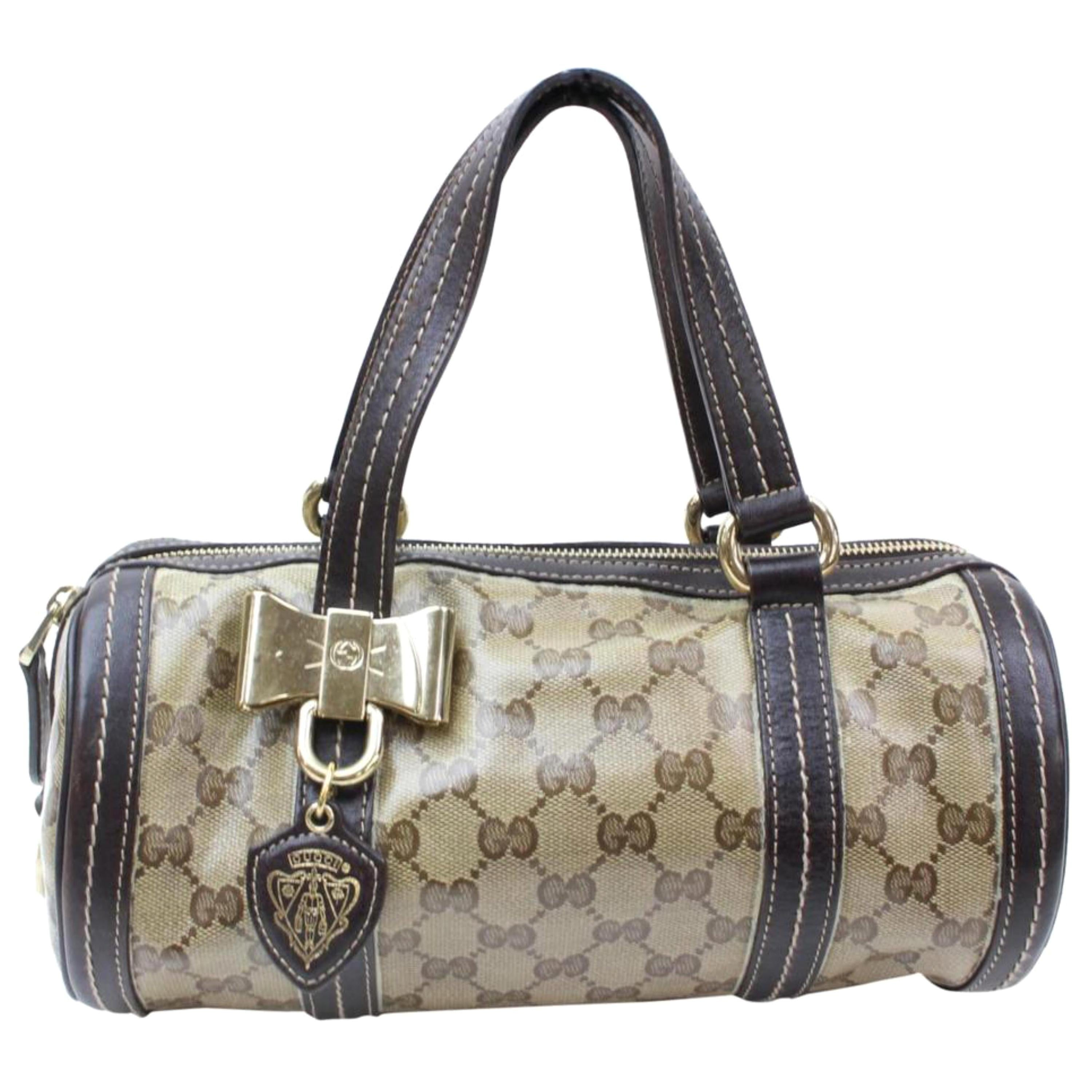 fd74107ab7d1 Vintage Gucci Evening Bags and Minaudières - 91 For Sale at 1stdibs