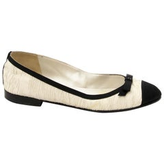 Chanel White And Black Bow Ballerina Flats - size 37.5