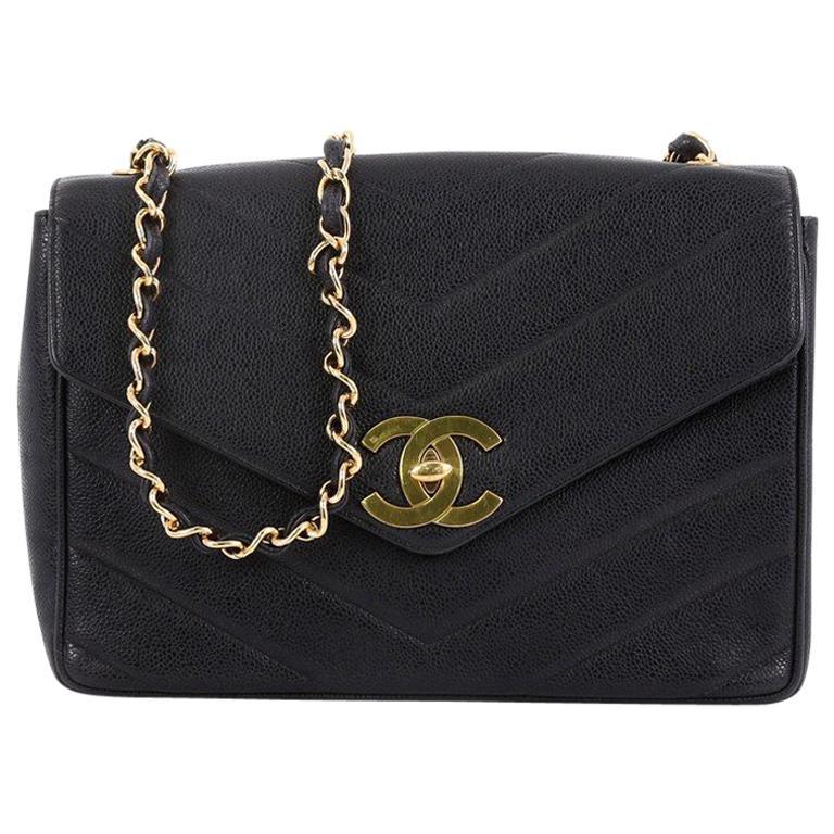 4ce342fedc0c Chanel Vintage CC Flap Bag Chevron Caviar Medium For Sale at 1stdibs