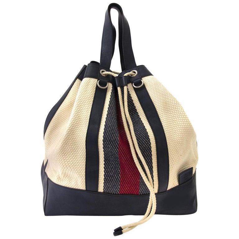ecaa587d8f0 Gucci Large Drawstring Stripe Bucket Bag For Sale at 1stdibs