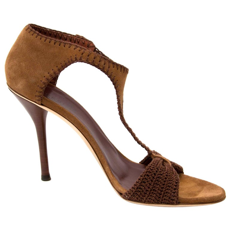 38b5cb88699 Gucci Brown Suede High Heels - Size 41 For Sale at 1stdibs
