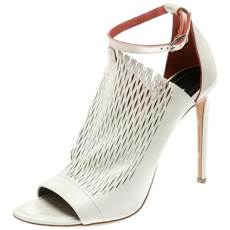 7d48ccbbe Balenciaga Blush Pink Laser Cut Leather Glove Sandals Size 41 For Sale
