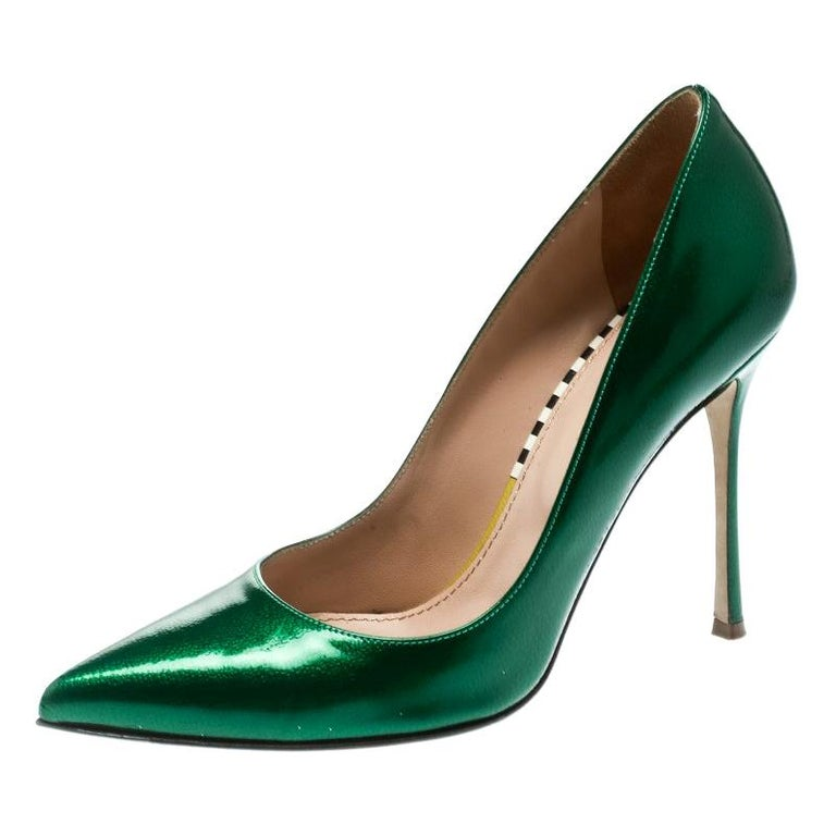 d5bee42662 Sergio Rossi Green Patent Leather Pointed Toe Pumps Size 35.5 For Sale