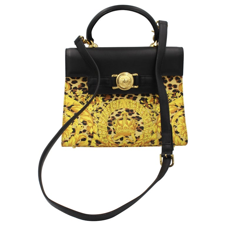 bd5490994b6 Vintage Gianni versace Kelly Style Baroque Bag For Sale at 1stdibs