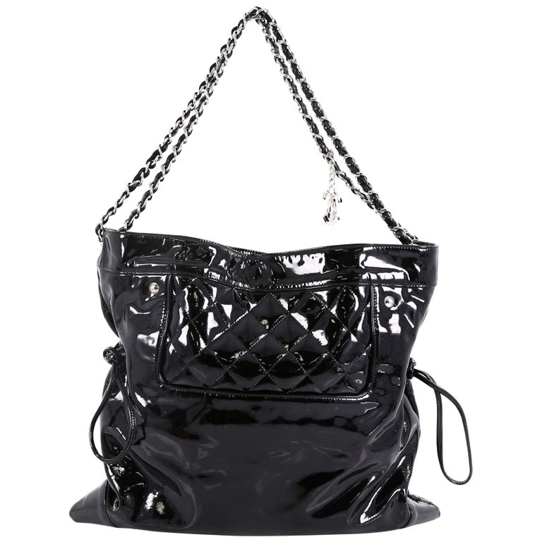 e4973d5eb31a44 Chanel 31 Drawstring Tote Quilted Patent Large For Sale at 1stdibs