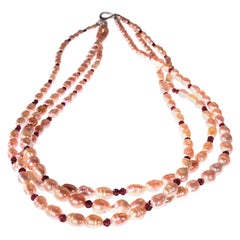 Gemjunky Three strand mauve Pearl and  Garnet necklace with Sterling Clasp