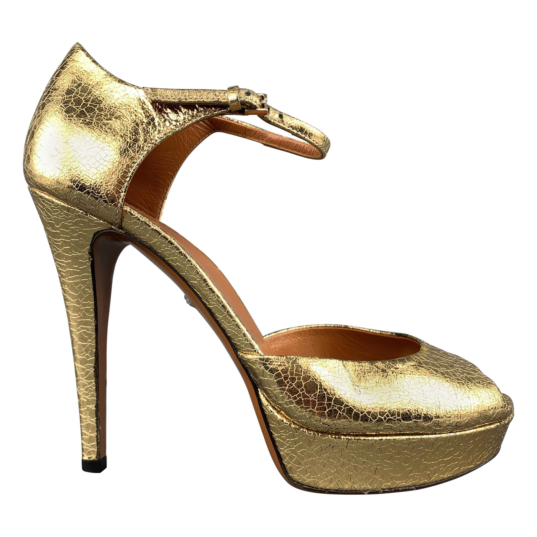 a7689315b59b GUCCI Size 7.5 Gold Crackle Leather Ankle Strap Platform Pumps at 1stdibs