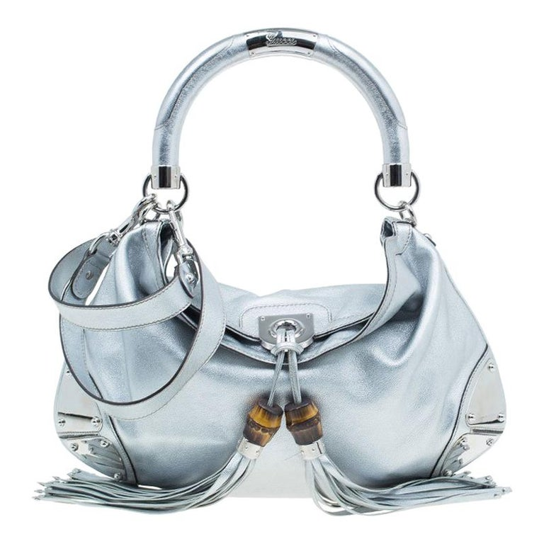 6725893e1422 Gucci Silver Leather Indy Top Handle Hobo Bag For Sale at 1stdibs
