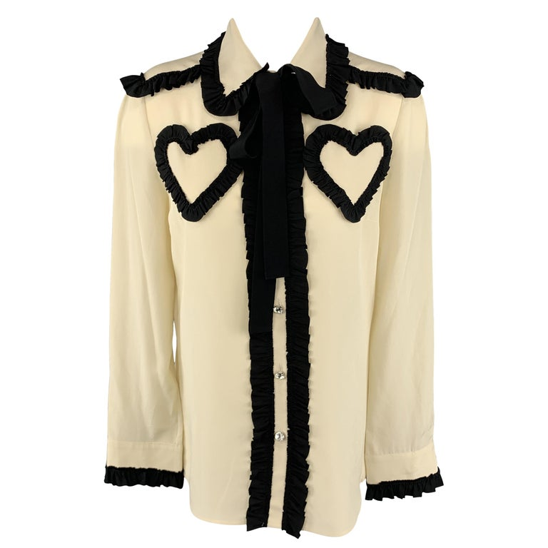 4376361f7 GUCCI Size 8 Beige Silk Blouse For Sale at 1stdibs