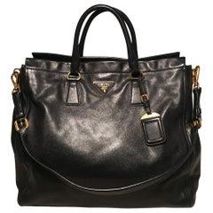 ff0fbd2924b25 Prada Black Leather Saffiano Top Handle Tote Shoulder Bag
