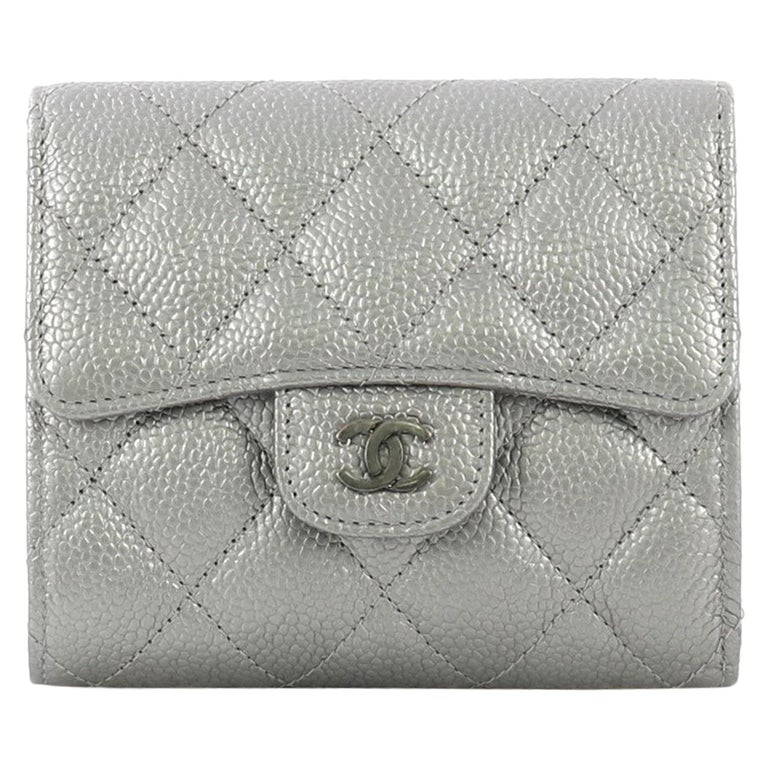 dac2eeac93bc Chanel CC Compact Classic Flap Wallet Quilted Caviar For Sale at 1stdibs