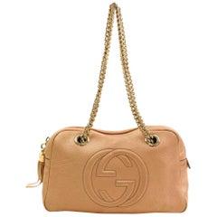 Gucci Soho Dark Rare Chain Camera 866570 Pink Patent Leather Shoulder Bag