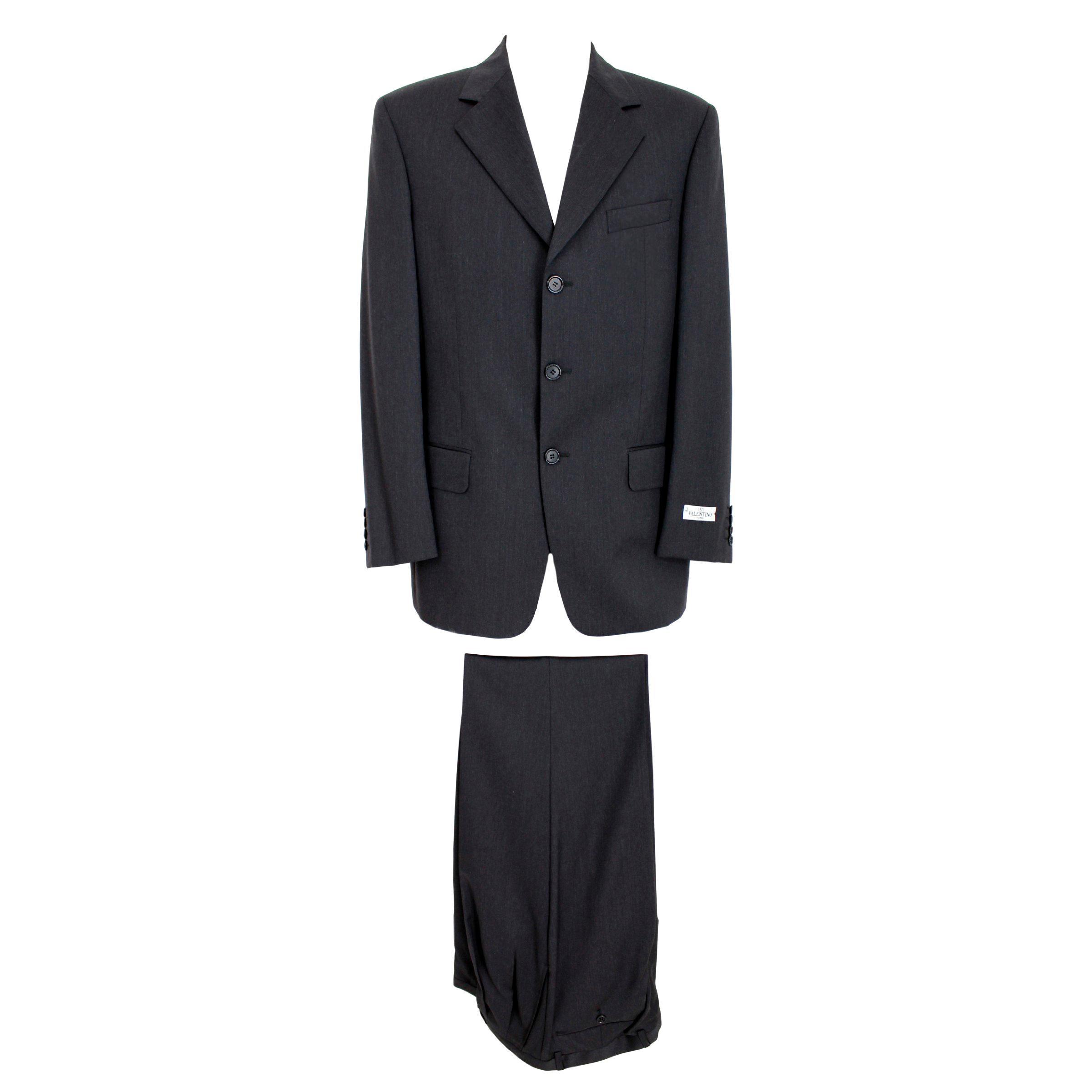 87e3b9af9790 Vintage Valentino Clothing - 1