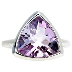 Gemjunky Rose of France Purple/Pink Amethyst 7 Cts Trillion Cut Silver Ring
