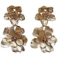 Oscar de la Renta Gold Bold Dangling Flower Drop Clip On Earrings