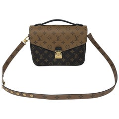 Louis Vuitton Metis Reverse Crossbody