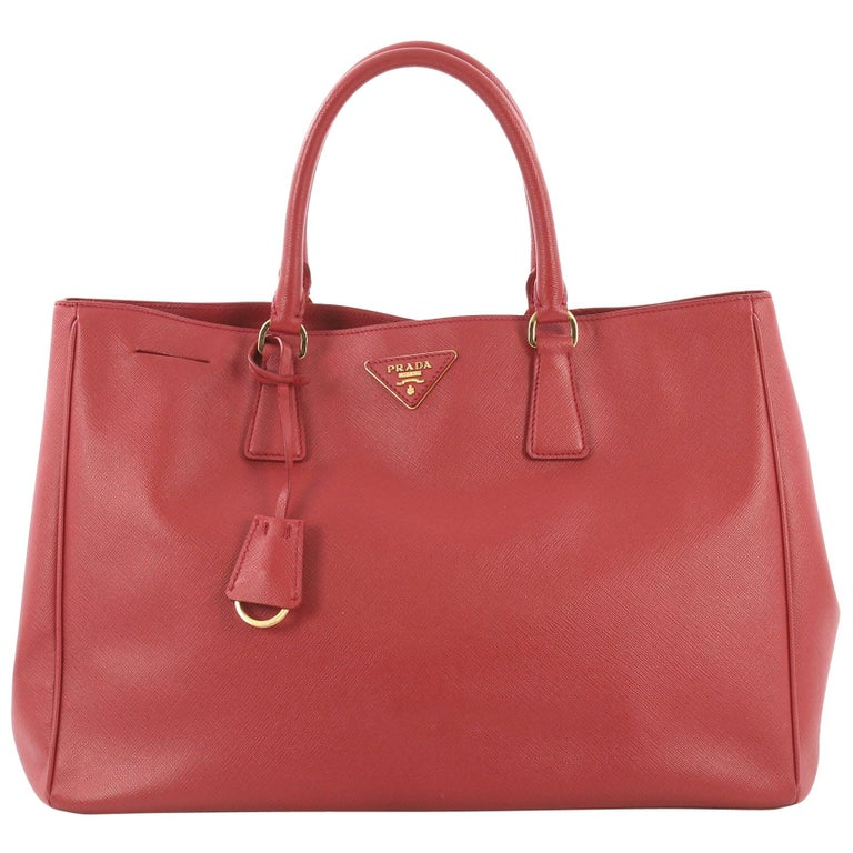d91251ba07d1 Prada Lux Open Tote Saffiano Leather Medium For Sale at 1stdibs