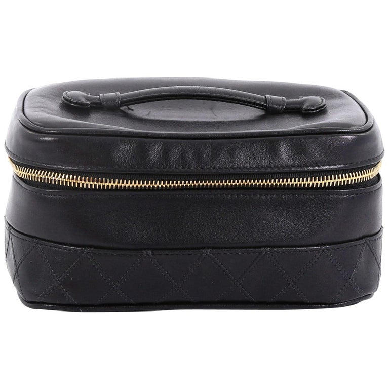 56715466abde64 Chanel Vintage Cosmetic Case Lambskin For Sale at 1stdibs