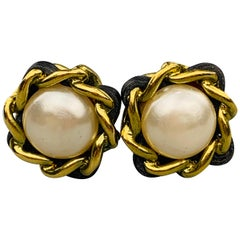 CHANEL VINTAGE 1994 Gold Tone & Black Woven Chain Faux Pearl Clip On Earrings