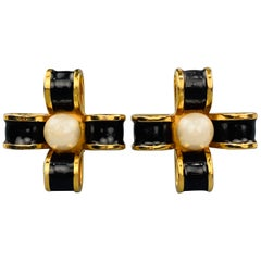 CHANEL VINTAGE Black & Gold Tone Enamel Pearl Bow Cross Clip On Earrings