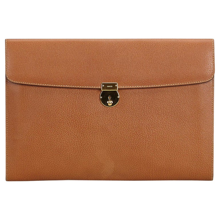 776c951efb1 Gucci Brown Leather Clutch Bag Italy For Sale at 1stdibs