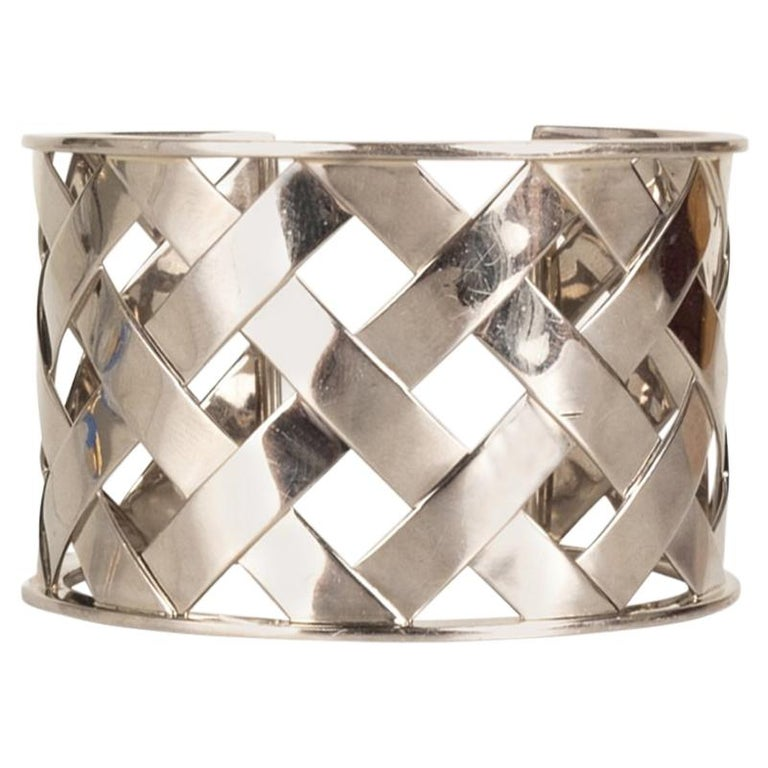 Verdura 18K White Gold Criss Cross Cuff For Sale