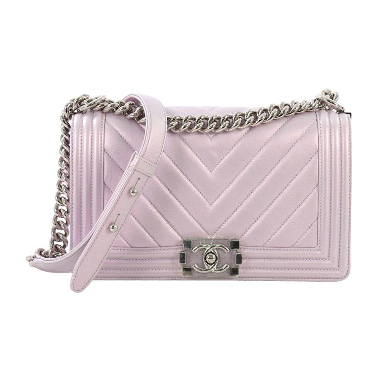 7de81ee9ba8c Chanel Boy Flap Bag Chevron Lambskin Old Medium For Sale at 1stdibs