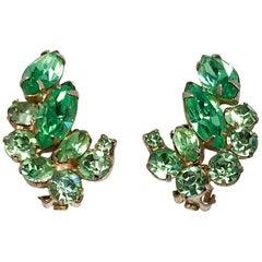 1950s Hattie Carnegie Clip-on Earrings in Multi-shades of Green