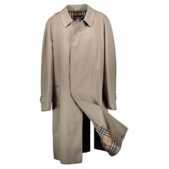Burberry Classic Trenchcoat - Size XXL