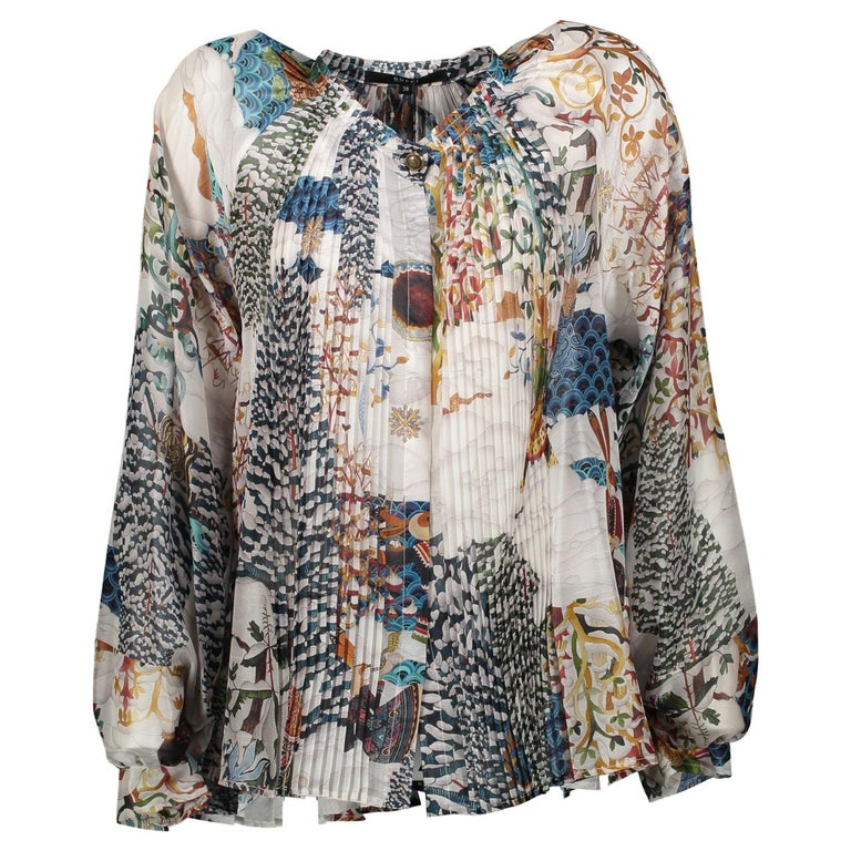 32458e82 Gucci 100% Silk Printed Blouse - Size 38 For Sale at 1stdibs
