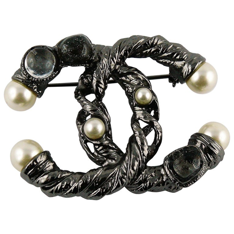 dc1a7013f4f Chanel 2011 Ruthenium Pearl CC Brooch For Sale at 1stdibs