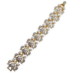 KJLK Kenneth Jay Lane Floral Gold Crystal and Faux Pearl Leaf Link Bracelet