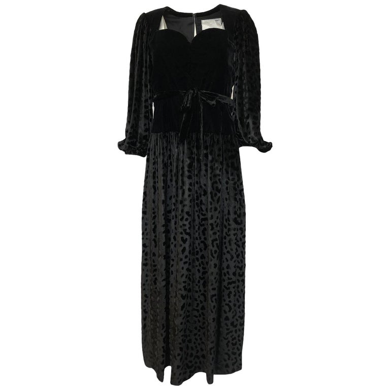 Fall 1986 Yves Saint Laurent Leopard Print Velvet Sweetheart Neckline Dress For Sale