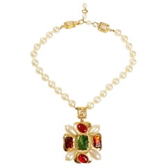 Chanel Gripoix and Pearl Medallion on Pearl Strand Necklace