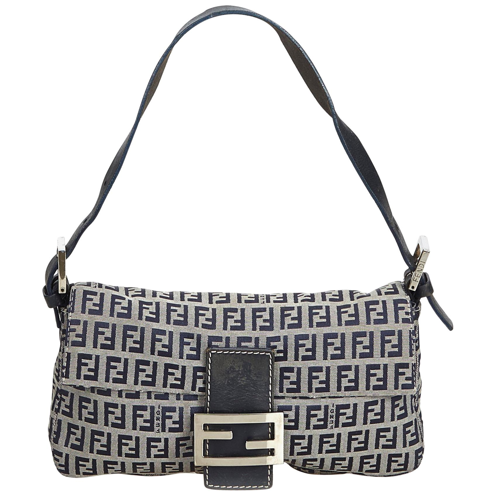 ec5f7862eeac Vintage Fendi Handbags and Purses - 986 For Sale at 1stdibs