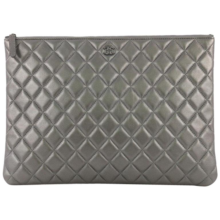 c6d1a043f12cbd Chanel O Case Clutch Quilted Lambskin Large For Sale at 1stdibs