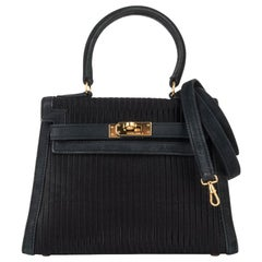 Hermes Kelly 20 Vintage Black Pleated Silk Suede Trim Gold Hardware