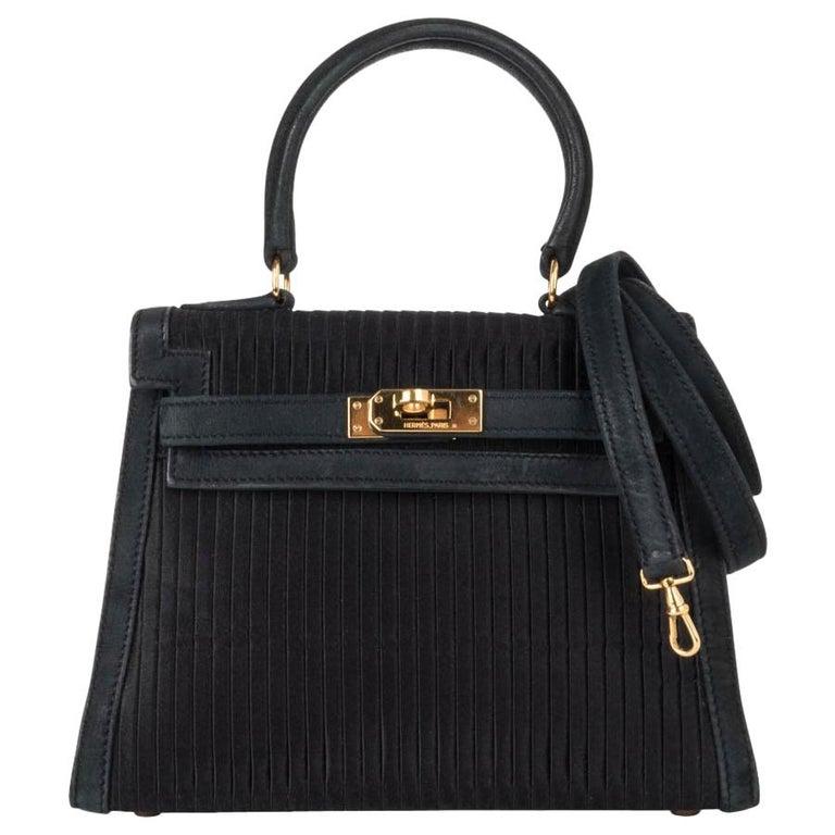 Hermes Kelly 20 Vintage Black Pleated Silk Suede Trim Gold Hardware For Sale