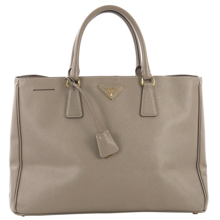 e785ace9f4e8 Prada Lux Open Tote Saffiano Leather Medium For Sale at 1stdibs