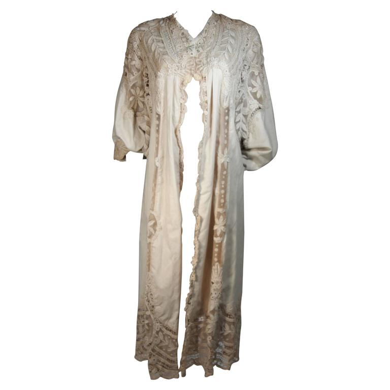 Antique Lace Coat with Bell Sleeve Detail For Sale