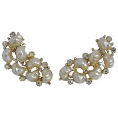Large Curve Pearls with Rhinestones Ear Clips