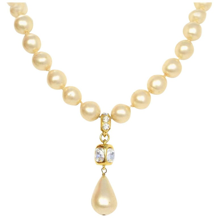 Chanel Vintage '86 Pearl & Crystal Tear Drop Necklace For Sale