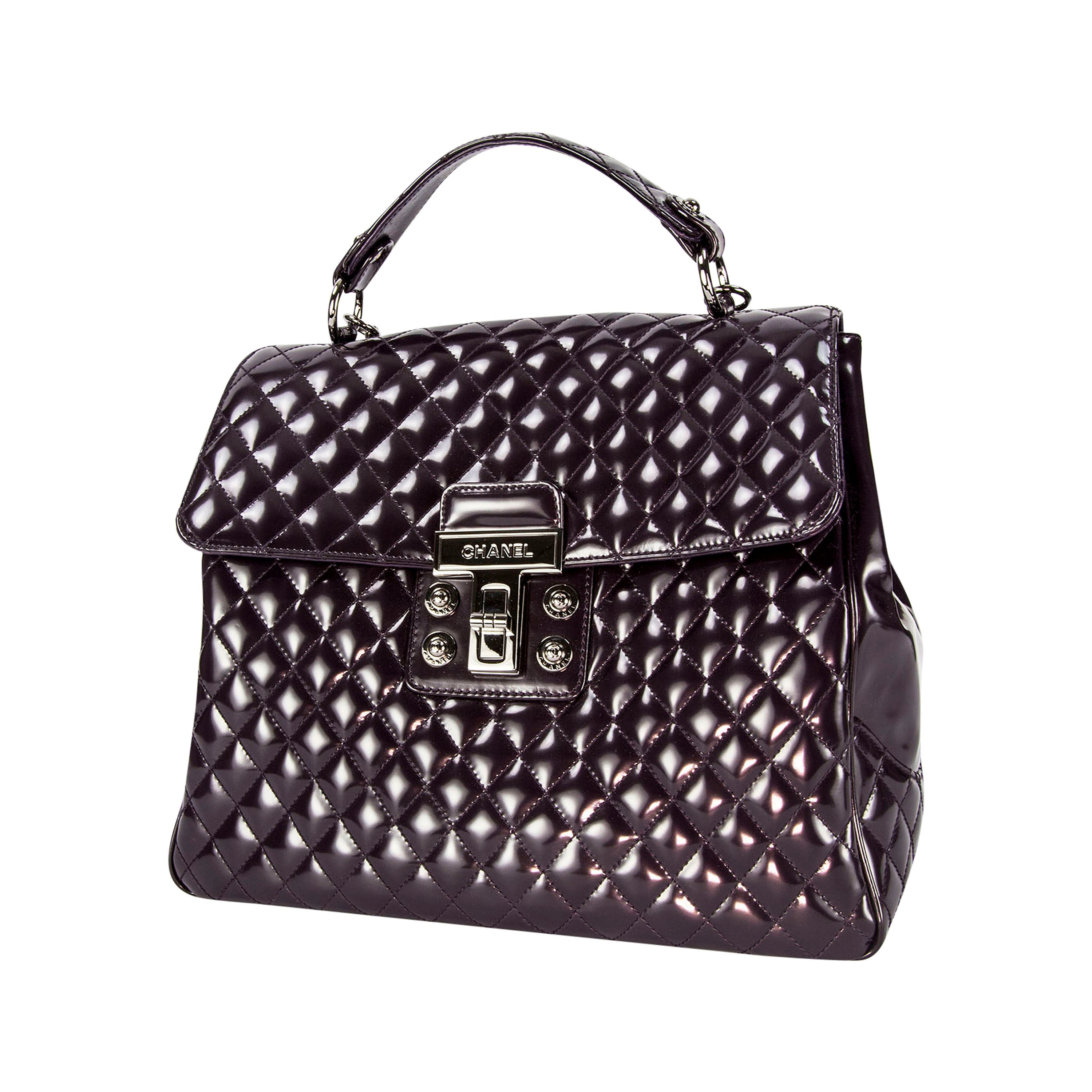 beb22453fa93 Chanel Vintage Large Patent Aubergine Tote Bag with Quilted Details For  Sale at 1stdibs