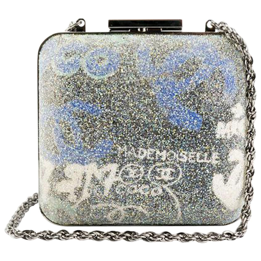 Chanel Graffiti Rare MINAUDIÈRE Clutch
