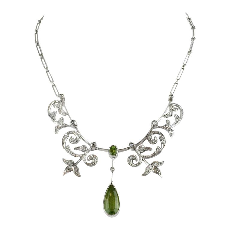 White Gold, Diamonds and Peridot Necklace - 1920s 1